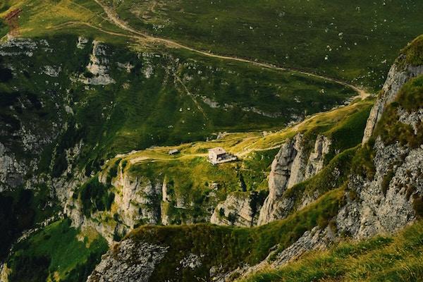 General - Carpathian mountains (Unsplash)