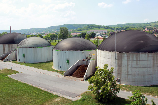 Biogas plants could provide further methane by converting waste CO2, the associations say. Photograph: Stadtwerke Energie / Jena Poessneck