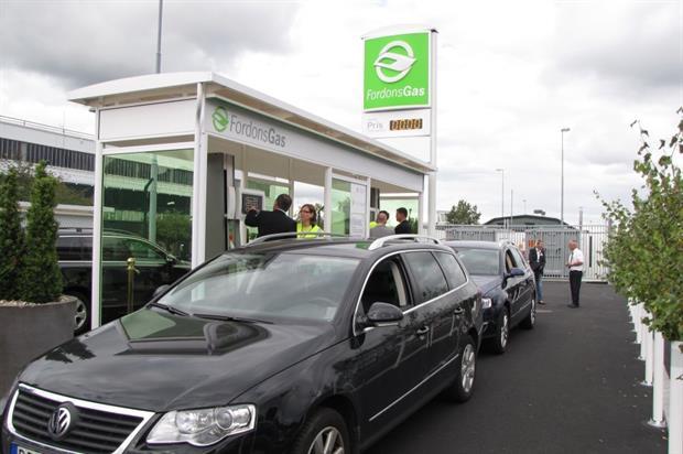 Refueling of compressed gas at filling station. Credit: FordonsGas Sverige AB