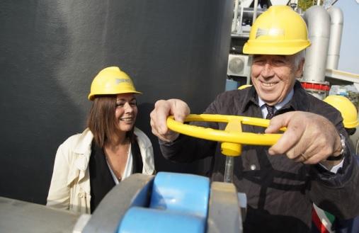 Hera executive chairman, Tommasi di Vignano, and alderwoman of the Emilia-Romagna Region, Paola Gazzolo, opened the facility