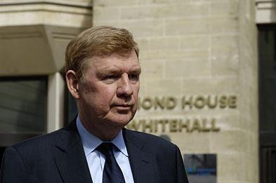 Sir Liam: less than 5,000 cases of swine and seasonal flu last week