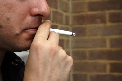Smoking: rich people less likely to engage in multiple unhealthy behaviours