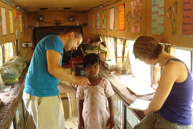 Dr Reeves and Dr Stirling work in a clinic at New Delhi railway station