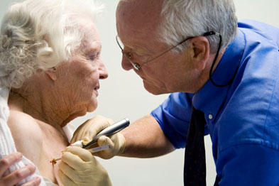 Minor surgery: RCGP to build evidence for GP-led interventions (photo: SPL)