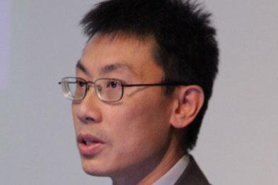Dr Vincent Khoo
