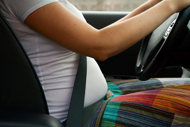 Pregnant drivers face increased risk of crash (photo: iStock)