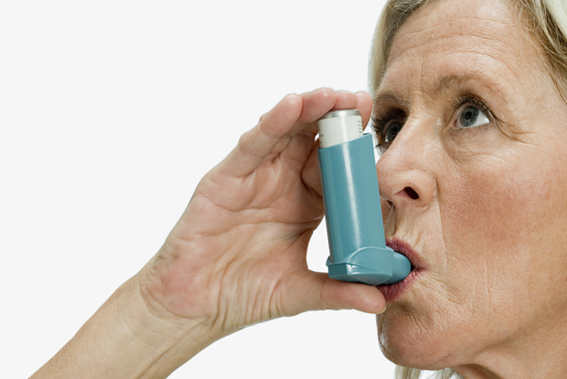 Asthma inhaler (Photo: Image Source/Getty Images)