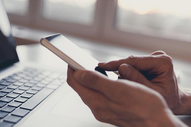 Smartphone video consultation (Photo: iStock)