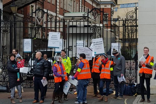 Junior doctors on strike outside St Mary's Hospital, London today (Photo: Neil Roberts)
