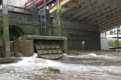Storm sewer overflow, Vauxhall Bridge