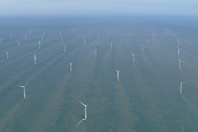 The world's biggest offshore wind farm at Thanet, Kent, has a peak capacity of 300MW (credit: Vattenfall)