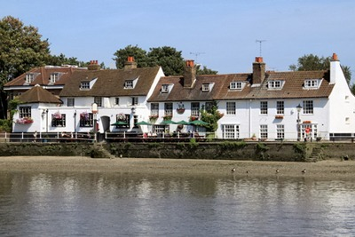 Public house by the river at Chiswick, London (credit: Melonstone | Dreamstime.com)