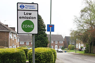 Schemes such as low-emission zones were not enough to give London more than an F grade (photo: Martin Addison CC-BY-SA-2.0 via Wikimedia Commons)