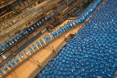 Bottled water production line (picture: Steve Lindridge/Alamy)