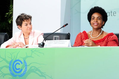 COP 17 president Min Maite Nkoana-Mashabane and UNFCCC executive secretary Christiana Figueres at a COP 17 press briefing in Durban (picture: Unati Ngamntwini / Department of International Relations and Cooperation)