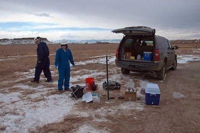 US EPA staff obtaining monitoring samples in Pavillion, Wyoming (US Environmental Protection Agency)