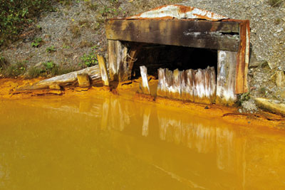 Contaminated discharge from the old Cwm Rheidol mine (photo: Environment Agency)
