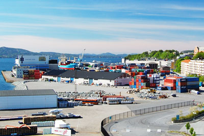 Very little progress has been made on curbing international shipping emissions (photo: Petr Šmerkl, Wikipedia)