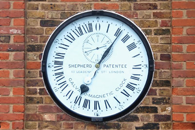 The Royal Observatory Greenwich clock (photo: Alvesgaspar CC-BY-SA-3.0)