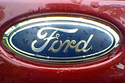 Ford logo on car (picture: Carlos Petroleo [CC BY-SA 3.0])
