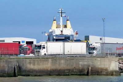 Lorries disembarking at Ramsgate ferry port (picture: Colin Smith (CC-BY-SA 2.0))