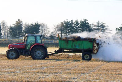 Manure spreading in Scotland could be restricted for longer under new plans (photo: James T M Towill CC-BY-SA-2.0)