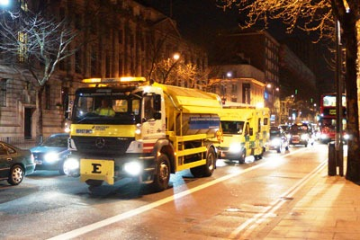 Marylebone Rd and Upper Thames Street in London are sprayed overnight with calcium magnesium acetate solution (photo: Simon Berkett/Clean Air in Cities Ltd)
