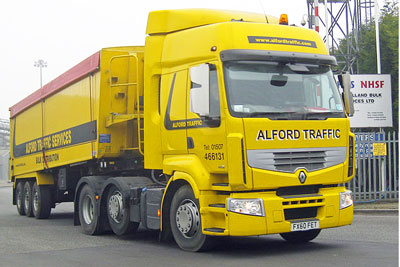About 20% of UK domestic transport carbon dioxide emissions currently come from heavy goods vehicles (photo: David Wright CC-BY-2.0)