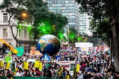 Protests during the Rio+20 talks (photo: Luiz Filipe Barcelos CC-BY-2.0)