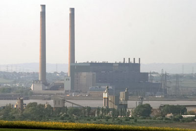 RWE Npower is to close its 750-megawatt Tilbury power plant in the Thames in Essex in October (photograph: Glen, CC by SA 2.0)