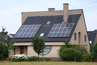 House with solar panels. Credit: Icefields, Dreamstime.com