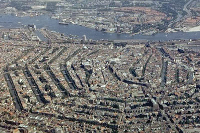 Amsterdam's low emission zone cut traffic-related pollution by 5-15% researchers found (photo credit: Amsterdam Municipal Department for the Preservation and Restoration of Historic Buildings and Sites)