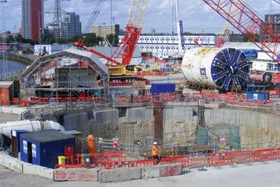 Crossrail constrction site. Credit: Sludgegulper?