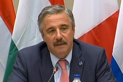 Greek environment minister Yiannis Maniatis