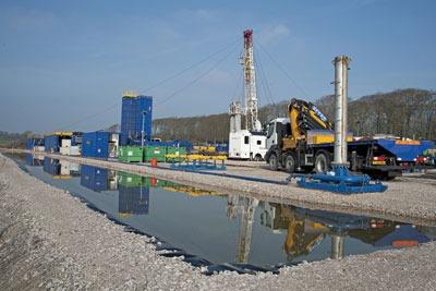 Shale gas site in Lancashire. Credit: FLPA/Alamy