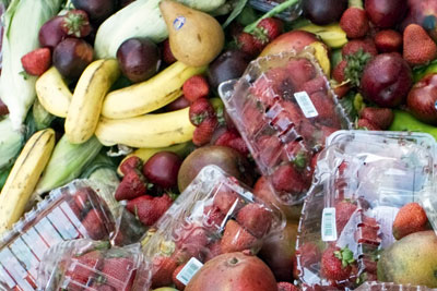 The European Commission wants member states to cut food waste by 30% (photograph: Aaneela/Dreamstime.com)