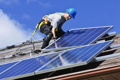Solar rooftop installation (photograph: Elena Elisseeva/123RF)