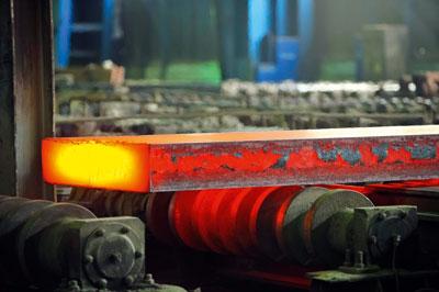 Steel production (photograph: Laurentiu Iordache/123RF_