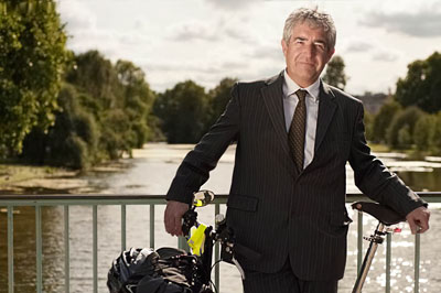 Caption: Tony Juniper, chair of Action for Renewables, is helping run the new campaign (photograph: RenwableUK)
