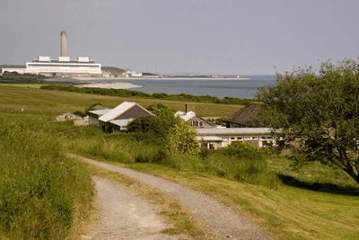 Aberthaw power station emits a high amount of nitrogen oxides (photograph: Ben Salter, CC by SA 2.0)