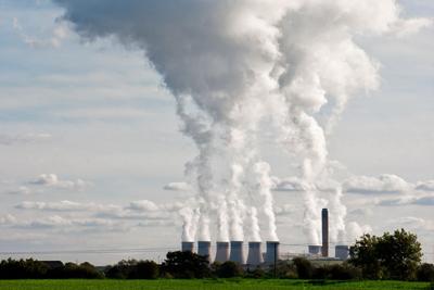 Drax power station (photograph: Julian Fletcher/123RF)
