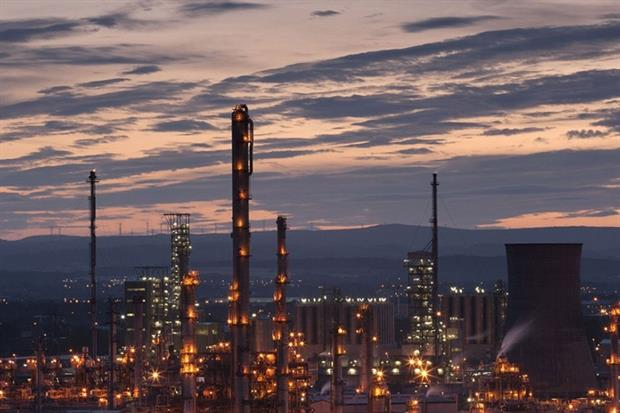 The proposed UCG plant would be built next to the existing oil refinery in Grangemouth in Scotland (photograph: Andrew Harbin/123RF)