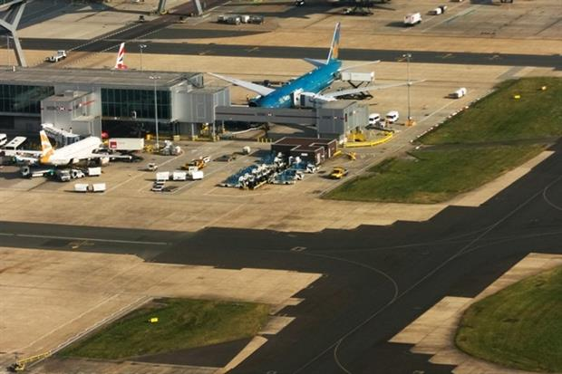 Gatwick expansion would not breach limits (photograph: Trevor Benbrook/123RF)