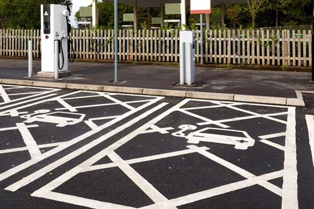Electric charge points at a filling station (photograph: GordonD/123RF)
