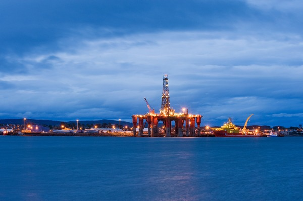 The UK's increasing support for less accessible offshore oil and gas contrasts sharply with cuts that could jeopardise cost reductions in renewable generation. Photograph: Bernardo62