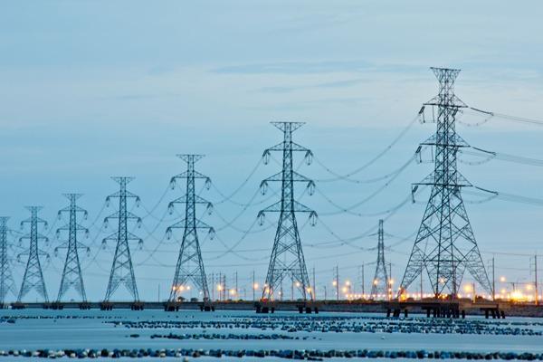 The National Grid estimates electricity margins at 5.1%  this winter. Photograph: Kiattisak Chiphimai/123RF
