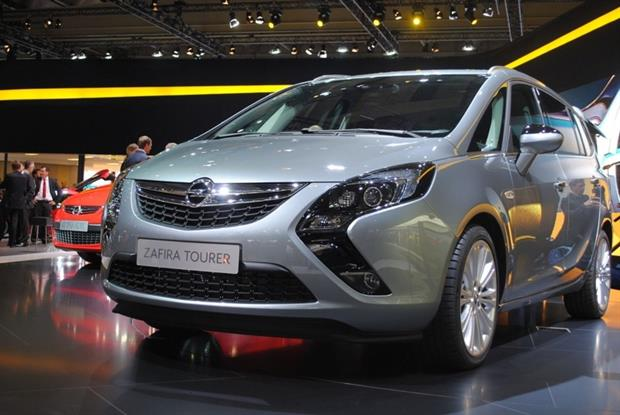 Vauxhall/Ople's 1.6l Zafira Tourer diesel is receiving an engine management software update. Photograph: Autoviva CC BY 2.0