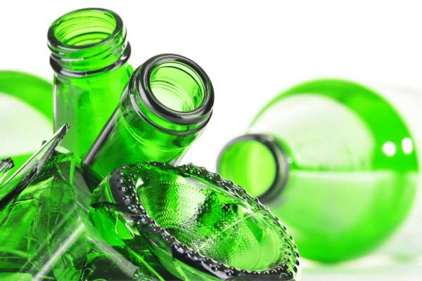 The changes to glass targets should deliver a 69% recycling rate by 2020. Photograph: monticello / 123RF