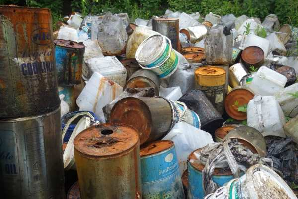 Allen made no attempt to contain or safely store the oils. Photograph: Environment Agency