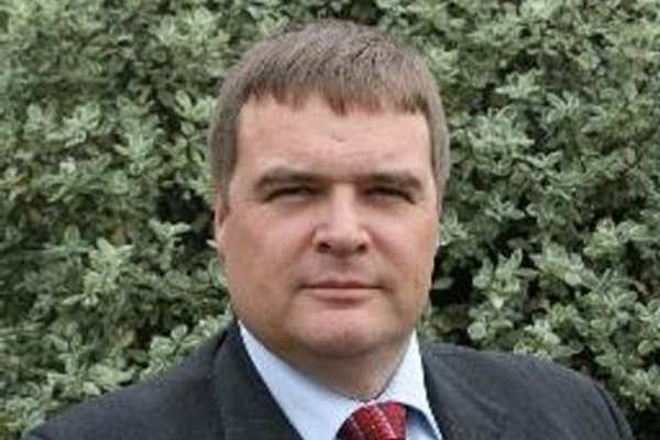 Dr Colin Church